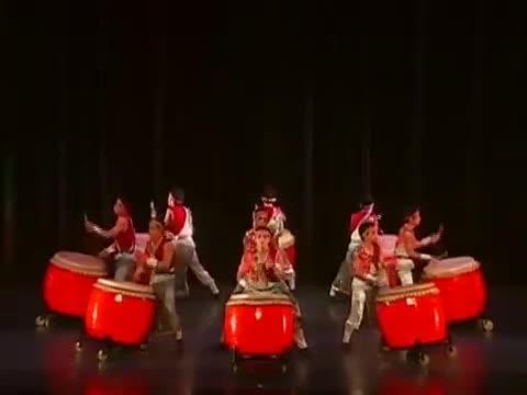 鴻勝醒獅團【擂鼓戰車】中文影音片段