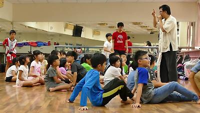 奇點劇團-「變身!!我的小小英雄」戲劇角色扮演體驗(新竹縣竹北市興隆國小)